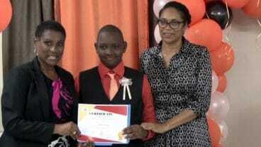 Student Receives Tourism Education Participation Certificate