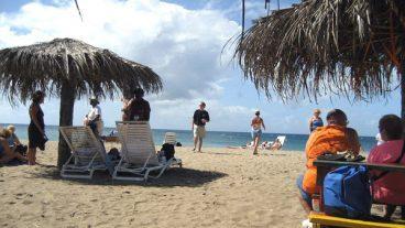 Pinneys Beach - Nevis Island