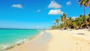 Pinney's Beach - Nevis Island