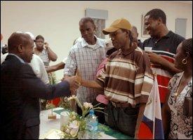 PM Douglas Meets With Nationals In St. Maarten