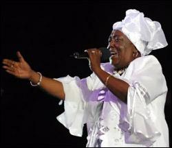 Singing Sandra On Stage
