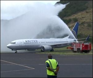 United Airlines 737 In St. Kitts