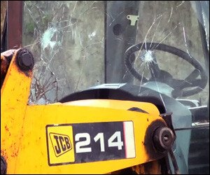 Broken Windscreen on JCB